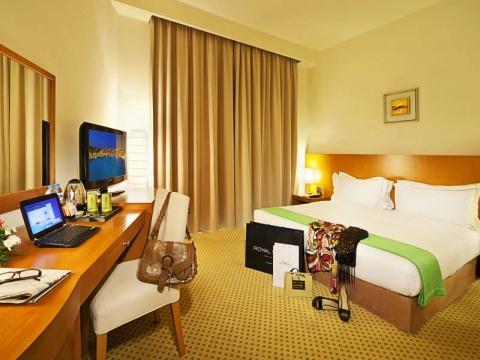 Acacia Hotel 4 *