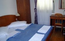Uranija Hotel 3 *